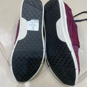 Toms Shoes - TOMS sneakers- new, comfortable
